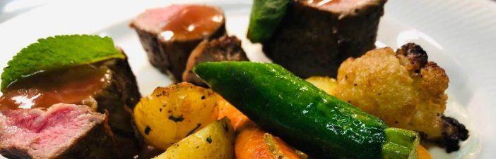 Food Main Beef Potato Mash White plate 2019