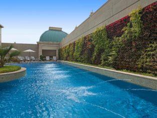 Pool Kosher Hotel Dubai